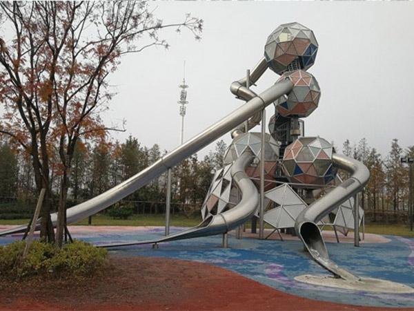 不锈钢滑梯05