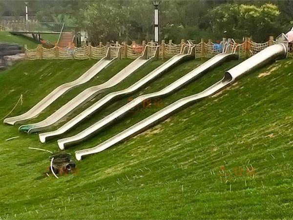 不锈钢滑梯08